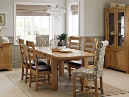 Cách chuyển bàn ghế gỗ có kích thước lớn khi chuyển nhà