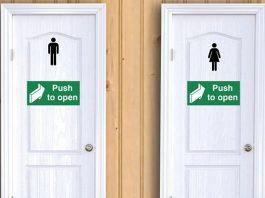 Tại sao hầu hết các cửa phòng tắm mở vào trong?